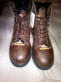 Size 11 pair of brown leather steeltoe work boots Tampa, 33603