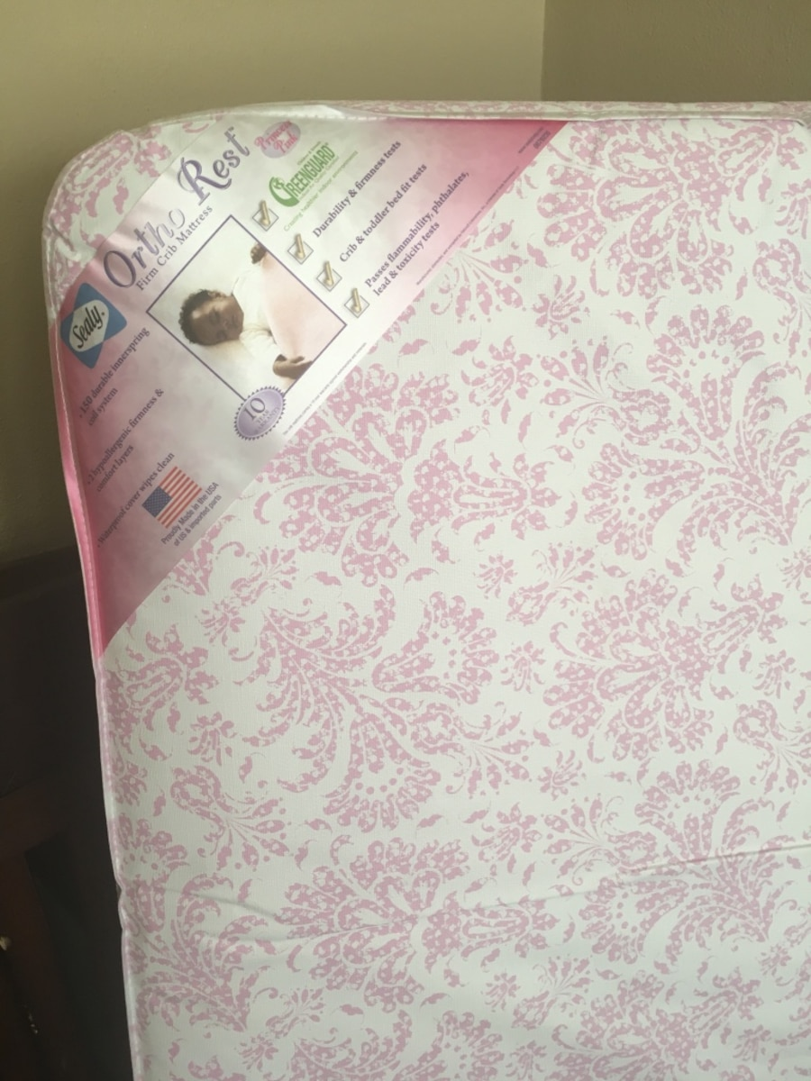 Crib And Crib Mattress In Jacksonville Letgo