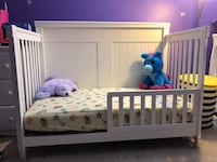 Crib/toddler bed and a matching changing station Germantown