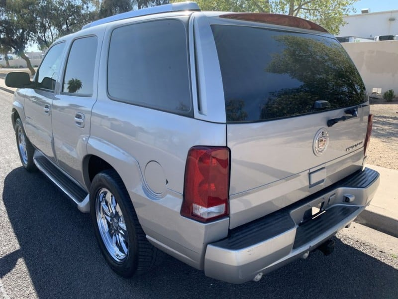 2005 CADILLAC ESCALADE LUXURY 5