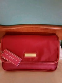 Crabtree & Evelyn Travel Case Newmarket, L3X 1R1