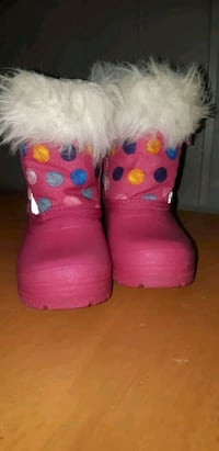 Toddler girl pink winter boots  Montreal, H4H 2C7