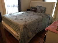 White Bed and Dresser Set Mattress included Saint Petersburg, 33705