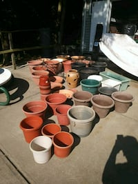 Plastivc and clay planting pots Staten Island, 10309