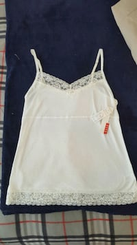 """*Brand new w/ tags* Womens large """"Must have Cami""""  Owasso, 74055"""