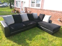 Sectional couch with chase lounge $420 Norfolk, 23502