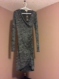 Wilfred Free Klum dress/ gray /size small Langley, V3A 7A8