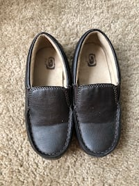 Boys Size 10 chocolate brown loafers