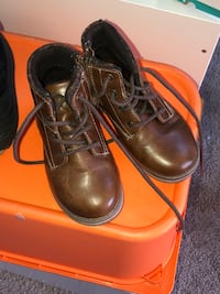 Boys sz 10 leather boots Manassas, 20112