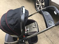 Graco 2 in 1 stroller with 1car base for sale. In good condition.