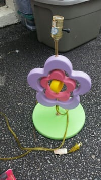 Toddler pink and purple flower lamp Durham, 27703