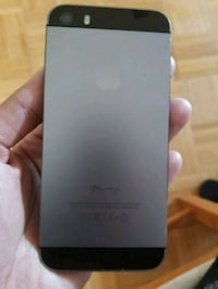 iPhone5s 16gb factory unlocked  Mississauga, L5C 2E7