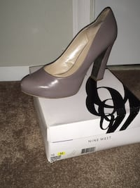 Nine West beige Dress shoe size 10 excellent condition firm price Columbia, 21044