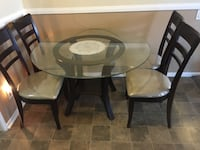 Round glass top table with four chairs dining set Los Angeles, 91406