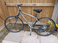 TREK 7100 MULTITRAK HYBRID bike