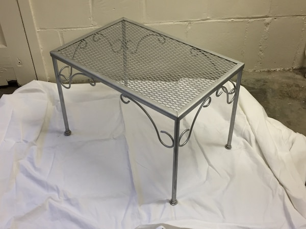 2 urban chic wrought iron tables(silver) 29784947-6d36-4971-8a95-8ee6cceb1294