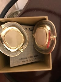 two round silver-colored analog watches 871 mi