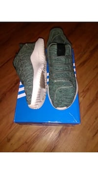 Pair of adidas size 8 great condition Lake Park, 33403