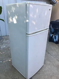 Top freezer- you pick up Sacramento, 95820