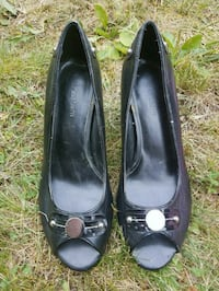 pair of black leather peep-toe heeled shoes Schenectady, 12308