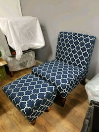 NEW Gorgeous Accent Chair and Ottoman  Mesa, 85210