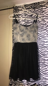 women's black and white sleeveless dress Niagara Falls, L2G 4L2