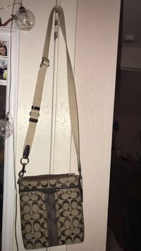 Coach cross over purse will take best offer Ocean Springs, 39564