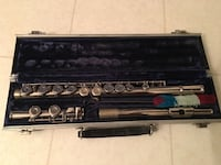 Armstrong Student Model 104 Closed Hole Flute tuned ready in very good condition asking 250