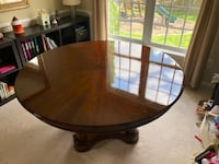 "60"" -84"" Round pedestal dining room table Aldie, 20105"