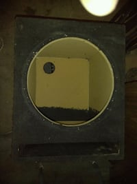 black and yellow subwoofer enclosure Bakersfield, 93307