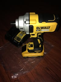"""Dewalt 20V Max XR Brushless 1/2"""" impact Wrench Kit 3.0 Battery and Charger  New York, 10453"""