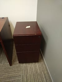 Pedestal, Excellent Condition, Call us now! Mississauga