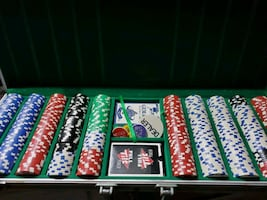 Poker Chip Set w/ Table Top