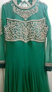 3 PIECE GREEN ANARKALI SUIT. M3C 1C2