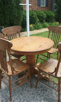 Solid Oak Table and 4 Chairs Richmond, 23236