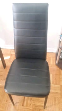 black leather chair(I have six chairs $25.00 each) Toronto, M6M 3Y7