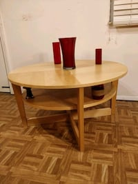 Like new wooden round table with shelf in great co Annandale, 22003