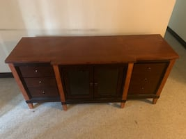 TV STAND & QUEEN SIZE BED FRAME