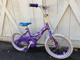 """16"""" Huffy Princess girl bicycle Training wheels available"""