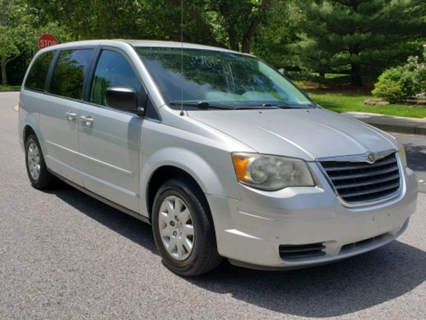 Chrysler - Town and Country - 2009 f0006b89-9532-4689-bd57-563db3ad9ac5