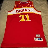 red, yellow and white Hawks 21 basketball jersey 1956 mi