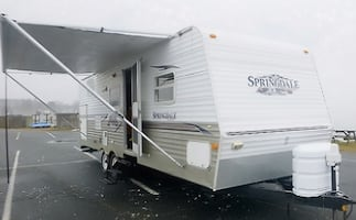 2006 Keystone Springdale. 26 Ft. one owner, perfect condition, non smoker, no pets