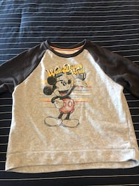 REDUCED PRICE! NEW Walt Disney Crewneck Markham, L3R
