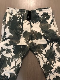 DVMN Joggers - Green/White, Exclusive Cambridge