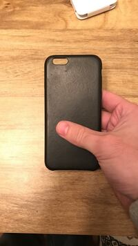 Black Apple Brand leather iphone case 6s used 8 mos Salem, 24153
