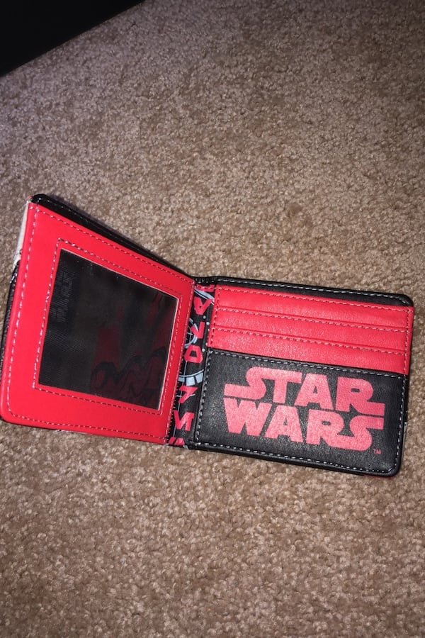 Star Wars Wallet ce3266db-6672-4b33-8348-0e7d4469c46b
