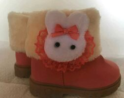 New - Baby  girls infant winter Boots 6-9 Months