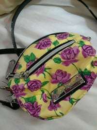 Small Betsey Johnson crossbody bag Sacramento, 95833