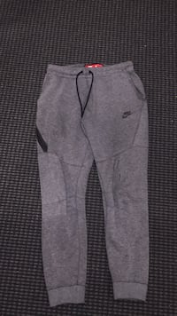 Nike tech fleece pants  Vancouver, V6B