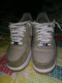 pair of gray-and-white low top sneakers Lubbock, 79415